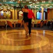Мелисса Росадо и Эдди Торрес выступают в Нью-Йорке Mambo Cruise ноябрь 2008