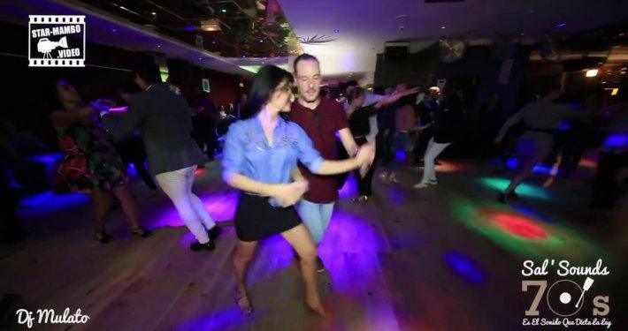 Guillaume & Ella Jauk - Социальные танцы @ Sal & Sounds 70 & # 39;